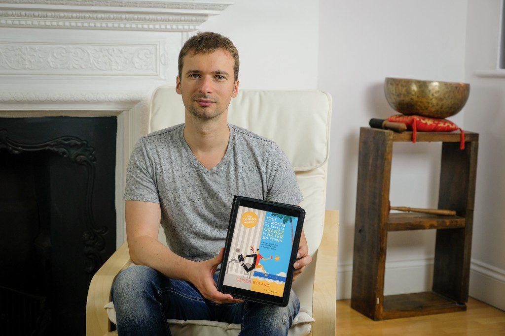 """Londres, aout 2016, portraits de Olivier Roland, entrepreneur devenu milionnaire sur internet grâce à ses blogs. Il est auteur du livre """"Tout le monde n'a pas eu la chance de rater ses études"""" (sortie en librairie le 23 septembre 2016)"""